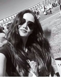 Fahriye Evcen Turkish Beauty, Turkish Actors, Hollywood Actresses, Burak Ozcivit, Long Hair Styles, World, Celebs, Long Hair Hairdos, Long Haircuts