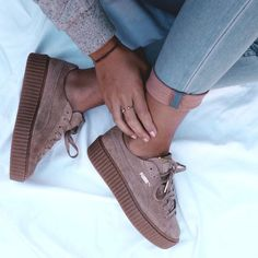 Adidas Women Shoes - Les sneakers Creeper Puma by Rihanna - We reveal the news in sneakers for spring summer 2017 Rihanna Puma Creepers, Suede Creepers, Fenty Creepers, Pumas Shoes, Shoes Sneakers, Rihanna Sneakers, Sneakers Adidas, Sneakers Style, Blue Puma Shoes