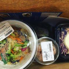 Vous pouvez aussi commander sur deliveroo foodora ou UberEATS de 11h à 21h30 sans interruption.  #delicerolls #bordeaux #girondins #chartrons #placepauldoumer #jardinpublic #bordeauxmaville #japonais #japanesefood #sushi #maki #Onigirazu #bento #yakitori #yakinikudon #toridon #springrolls #futomaki #hiyashichuka #wakamé #gyoza #edamames #miso #gwabao #guabao #don #donburi #ubereats #deliveroo #foodora