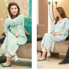 Pakistani Party Wear, Pakistani Outfits, Indian Outfits, Pakistani Clothing, Stylish Dresses, Casual Dresses, Casual Outfits, Stylish Kurtis, Indian Attire