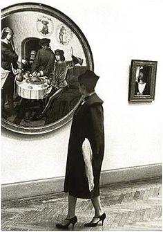 Inge Morath. 'Visitor in the Metropolitan Museum' 1958