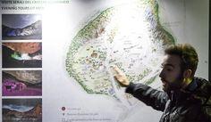 Ecco a voi Guglielmo, una delle abili guide in italiano della #Solfatara, che vi accompagnerà lungo l' incredibile percorso alla scoperta dei segreti del #Vulcano, nelle immagini scattate durante una precedente visita serale guidata con cucina geotermica.Questa sera, alle 20,30, prosegue #estateinsolfatara presso la Solfatara di #Pozzuoli.Non mancate!