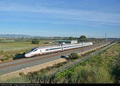 RailPictures.Net Photo: Renfe 114 at Tarragona, Spain by Jaime Marti Barroso