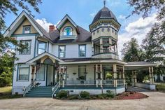 1893 Queen Anne - Moultrie, GA - $389,000 - Old House Dreams
