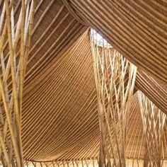 Construção em Bambu (Tiga Gunung), Mambal, Bali. Projeto do escritório John Hardy. #architecture #arquitetura #arte #artes #arts #art #artlover #design #architecturelover #instagood #instacool #instadaily #design #projetocompartilhar #davidguerra #arquiteturadavidguerra #shareproject #bambu #leveza #bamboo #lightness #bambooarchitecture #bamboodesign #bamboobuilding #ba