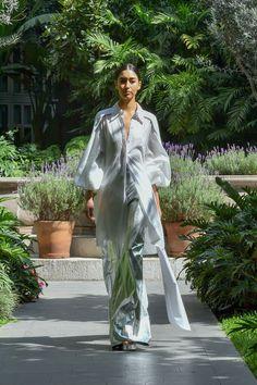 #MBFWMx #ManejaMéxico Duster Coat, Jackets, Fashion, Dress, Down Jackets, Moda, Fashion Styles, Fashion Illustrations, Jacket