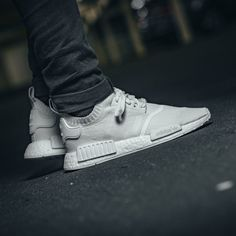 ADIDAS NMD R1 PK PRIMEKNIT BOOST Monochrome all white