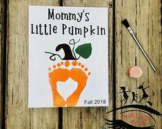 Toddler Footprint Art, Baby Footprint Art, Mom Pumpkin, DIY Canvas Art, Toddler Crafts Source by mam Halloween Crafts For Kids, Halloween Art, Holiday Crafts, Toddler Thanksgiving Crafts, Fall Toddler Crafts, Fall Art For Toddlers, Thanksgiving Art, Toddler Art Projects, Toddler Painting Ideas