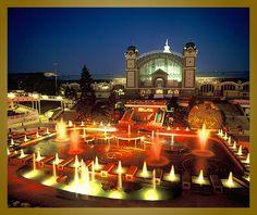 Křížikova fontána (Singing fountain) at night, Praha Prague Guide, Prague Travel, Prague Czech Republic, Heart Of Europe, Most Beautiful Cities, Great Memories, Capital City, Small Towns, Places To See