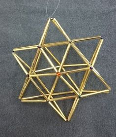 IRMAN HIMMELIKURSSIT: Nokia syksy 2015 Paper Crafts Origami, Diy Paper, Diy And Crafts, Arts And Crafts, Stars Craft, Bead Jewellery, Jewelry, Bugle Beads, Diy Projects To Try