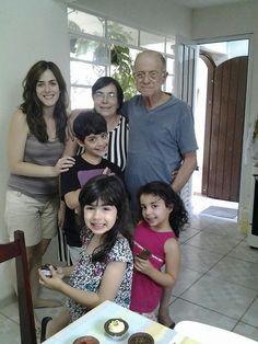 Vovô,  vovó, Camila , Pedro, Marilia e Sara