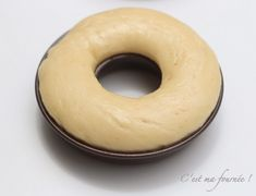 Le baba au rhum, chantilly ivoire vanille Bagel, Doughnut, Biscuits, Bread, Dinner, Food, Ivoire, Christmas, Deserts