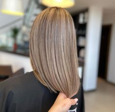 True life is lived when tiny changes occur. Hairstylist: Andrevia - GETT'S Color Bar Iulius Mall 0264 555 777 Adresa Alexandru Vaida Voievod Nr. 53-55, Cluj-Napoca Daily Hairstyles, Mall, Salons, Highlights, Long Hair Styles, Life, Beautiful, Beauty, Color