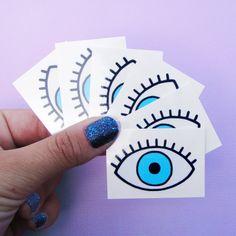 4*** EDITION LIMITEE ***  Tatouage temporaire oeil bleu réalisé à Paris en encres non toxiques et hypoallergéniques. Chaque oeil mesure 4,3 x 3 cm.