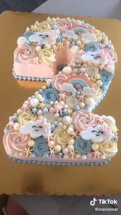 Cake Decorating Frosting, Cake Decorating Designs, Cake Decorating Videos, Birthday Cake Decorating, Cake Decorating Techniques, Number Birthday Cakes, Pretty Birthday Cakes, Number Cakes, Birthday Cake Video