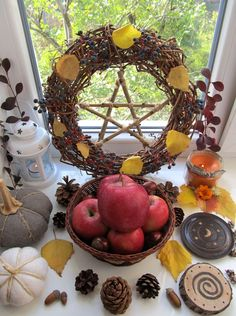 Mabon altar uploaded by İdil Su Öz on We Heart It Mabon, Thanksgiving Crafts, Autumnal Equinox Celebration, Autumn Equinox Ritual, Wicca Altar, Wiccan Sabbats, Arte Elemental, Beltane, Book Of Shadows