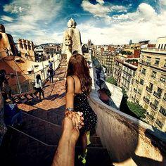 Photographer's Girlfriend Continues to Lead Him Around the World (Murad Osmann & Nataly Zakharova) - Casa Mila Barcelona