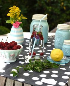 The Summer is not over yet – use the last raspberries from your garden to make a fresh summery lemonade. Photo credit to @passion4home.pl #Friday #HappyWeekend #Summer #Raspberries #Lemonade #Garden #Weekend #GreenGate #GreenGateOfficial @GreenGateOfficial