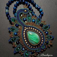 Peacock necklace and brooch  #soutache #soutacheart #soutacheaccessories #soutachejewelry #soutachenecklace #soutacheaddict