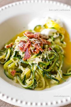 low carb carbonara- this delicious indulgence is just as rich and creamy as the pasta version but with zucchini noodles!