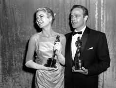 IlPost - 30 marzo 1955 Grace Kelly e Marlon Brando (AP Photo) - 30+marzo+1955  Grace+Kelly+e+Marlon+Brando    (AP+Photo)
