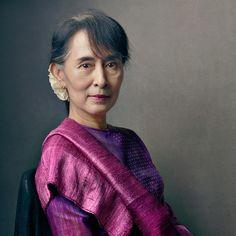 Aung San Suu Kyi por Annie Leivobitz