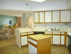 Gulf front condo sleeps 10. Located in the heart of Orange Beach. Close to shopping, dining and many local attractions.