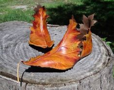 Pendragon shoes... delightful weird magical footwear! ··· | ··· Your Fantasy Costume