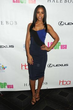 _Kelly-Rowland's-2nd-Annual-Hollywood-Beauty-Awards-Victoria-Beckham-Navy-and-Black-Colorblock-Leather-Trimmed-Stretch-Ponte-Dress