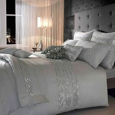 30 Dramatic Bedroom Ideas - Interior Design Ideas, Home Designs, Bedroom, Living… Dream Bedroom, Home Bedroom, Bedroom Ideas, Pretty Bedroom, Master Bedrooms, Kylie Minogue At Home, Silver Bedding, Sequin Bedding, Silver Bedroom Decor