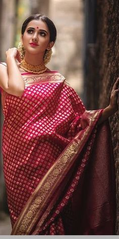 bengali bride makeup style Modern Classic maroon hot saree for parties For order whatsapp us on farewell farewell modern farewell teenagers farewell classy fat women teenagers modern indian for girls classy Bengali Saree, Bengali Bride, Indian Silk Sarees, Indian Beauty Saree, Dress Indian Style, Indian Outfits, Ethnic Outfits, Indian Clothes, Indian Wear