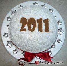 Βασιλόπιτα Greek Desserts, Greek Recipes, Greece Food, Holiday Treats, Holiday Decor, New Year's Cake, Cheesecake Cupcakes, Ants, Cupcake Cakes