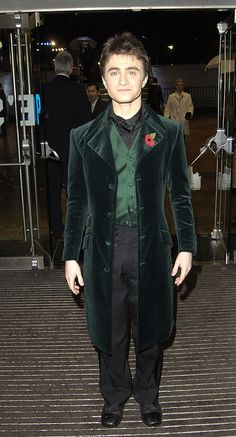 Daniel Radcliffe (title character in Harry Potter film series) looking quite marvelous here.