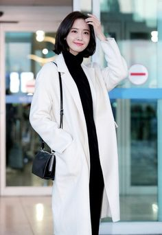 171206 YoonA - Incheon airport to Saipan for Marianas International Film Festival Korean Fashion Dress, Korean Fashion Men, Korean Street Fashion, Female Fashion, Im Yoona, Seohyun, Snsd Airport Fashion, Snsd Fashion, Fashion Outfits