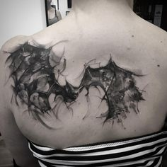 Fun little bat for kaz this week. Not sure who to credit for this artwork but it was fun to play with some abstract lines and textures again. I enjoy these kinds of pieces from time to time. #sundays #bundays #lookingbackatmyweek #abstract #bats #onbacks #inkjecta #metrixneedles #numbskulled