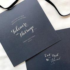 私の式で使ったデザイン. 結婚準備中 ネイビー地にするかとっても悩んでいたので セミオーダーで作らせていただいてとっても嬉しかったです♡ . 通常148mm×148mmで作らせていただいていますが180mm×180mmで作成させて頂きました. #profilebook #graphicdesign  #paperitem #wedding  #bluegray #ペーパーアイテム #プロフィールブック #結婚式プロフィール #結婚式 #招待状 #結婚式招待状 #席次表 #結婚式席次表 #卒花嫁 #プレ花嫁 #結婚準備