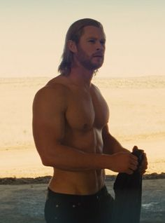 Join us in comparing these gloriously hot pictures of Thor vs. Loki