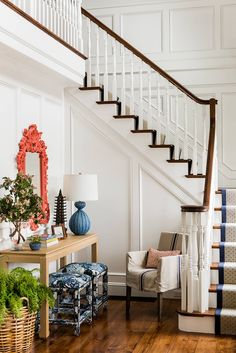 Easy And Cheap Cool Ideas: Wainscoting Bedroom Awesome wainscoting living room ceilings.White Wainscoting Railings wainscoting interior entry ways. Design Entrée, House Design, Design Ideas, Beach Design, Blue Ottoman, Upholstered Stool, Ottoman Design, Coastal Living Rooms, Blue Rooms