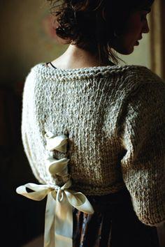~adore~ the be-ribboned corset detail!  bolero rowan
