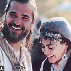 Ek safar muhobbat ki kashti me Turkish Women Beautiful, Beautiful Girl Image, Beautiful Smile, Turkish Beauty, Funny Wedding Vows, Wedding Humor, Wedding Quotes, Muslim Couple Photography, Wedding Photography Poses