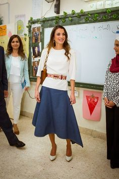 ♔♛Queen Rania of Jordan♔♛...19/5/2015: Queen Rania checked on the Healthy Kitchen Project, implemented by the Royal Health Awareness Associations, in collaboration with the World Food Program, at Al Ma'mounieh Al Gharbieh Secondary Mixed School in Madaba, southern Amman. (Source: Petra)