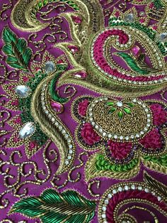 Iolanda Cimino's media statistics and analytics Zardosi Embroidery, Embroidery Works, Beaded Embroidery, Hand Embroidery, Embroidery Stitches Tutorial, Embroidery Patterns, Wedding Symbols, Raw Silk Fabric, Maggam Work Designs