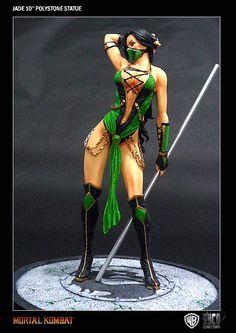 Mortal Kombat Enchanted Warriors statuette Jade 25 cm (SYCJADE01)    Statuette en résine taille env. 25 cm sur socle logo, avec fonction d´éclairage électronique du bâton. Modèle fini et peint à la main en édition limitée à 499 exemplaires numérotés.    Disponibilité prévue : 01/2013