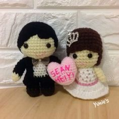 <3 Sean & Meiyi <3 Shop on #Etsy for unique gifts Link in Bio #weddingdolls #crochet #amigurumi #yunies#instacute #wedding #love#singapore#handmade #handmadeisbetter #handmadegifts#igcrochet #crochetersofinstagram #instacute