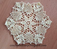 Crochet Motif, Crochet Top, Art And Craft, Couture, Origami, Mandala, Make It Yourself, Tablecloths, How To Make
