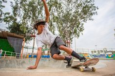 Atita Verghese: First female skateboarder in India. Check out her cause! www.thumbsupbirds.com s: www.redbull.com