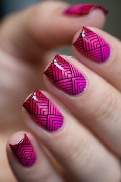 Manicure avec un dégradé de 2 couleurs, le rose et le rouge ! Magnifique ! ♥