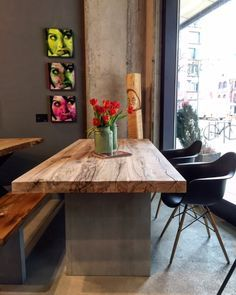 Amazing Esstisch Aus Der Kombination Holz Und Beton With Baumplatte Tisch
