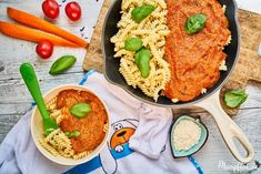 Kinder-Tomatensoße mit ganz viel verstecktem Gemüse Baby Food Recipes, Low Carb Recipes, Healthy Recipes, Family Meals, Kids Meals, Healthy Sweet Snacks, Hidden Veggies, Happy Foods, Healthy Eating Habits
