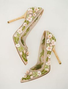 Women's Floral Heels Pointy Toe Stiletto Pumps - Shoes Pretty Shoes, Beautiful Shoes, Cute Shoes, Wedding Heels, Green Wedding Shoes, Dress Wedding, Colorful Wedding Shoes, Bridal Heels, Dr Shoes